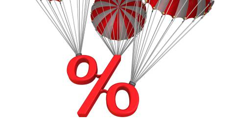 rente teken hangend aan parachutes